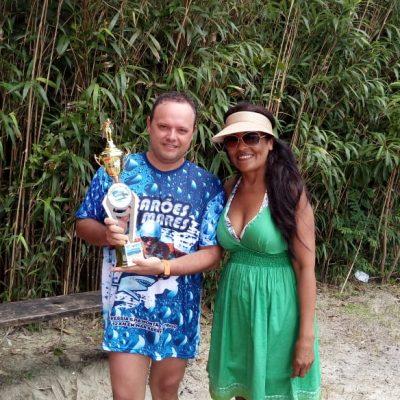 Daniel e seu troféu