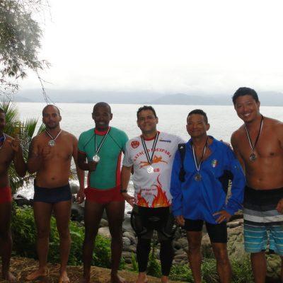 Atletas da 1ª Travessia Ilha Montão de Trigo